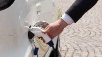 Leasing samochodów elektrycznych w Polsce - przybywa ofert, niekoniecznie chętnych