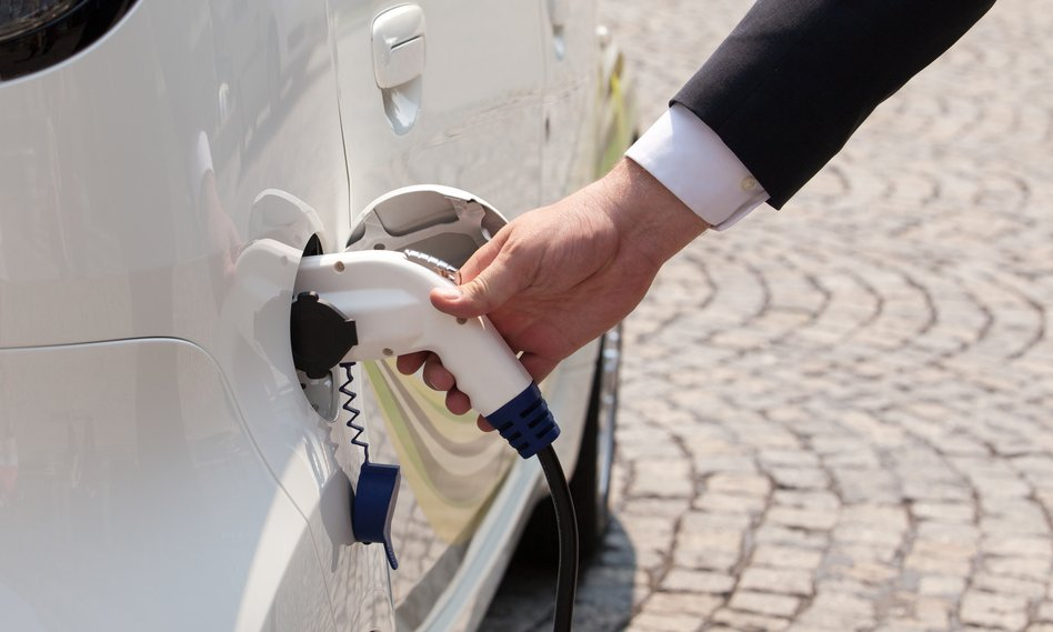 Przedsiębiorcy nie sięgają po leasing elektryków