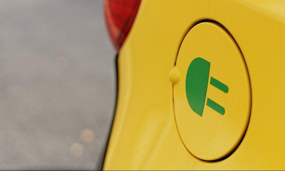 Niemcy: Plan miliona samochodów elektrycznych do 2020 r. zagrożony