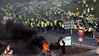 """Francja: trwa protest """"żółtych kamizelek"""" [Bankier.pl]"""