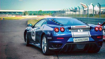 Ferrari zapowiada samochód hybrydowy i w pełni elektryczny
