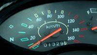 Rząd przyjął projekt ustawy o karach za cofanie liczników w autach