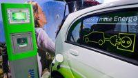 Auto elektryczne napędzane milionami [Puls Biznesu]
