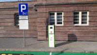 PKP SA uruchomiły pierwsze ładowarki samochodów elektrycznych przy dworcach