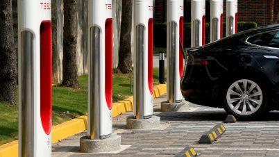 Tesla jednak bez umowy z chińskim producentem baterii