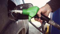 Zniżki na paliwo z Kartą Dużej Rodziny. Ile zaoszczędzisz na tankowaniu?