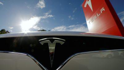 Tesla otwiera swój salon w Polsce