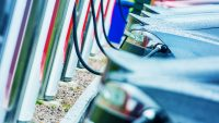 Kolejne wzrosty sprzedaży samochodów elektrycznych i hybrydowych w Polsce