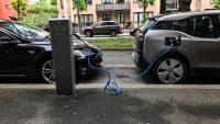 Norwegowie już częściej rejestrują elektryki niż samochody z silnikami spalinowymi