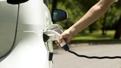 Ile zyskasz na dopłatach do samochodów elektrycznych?