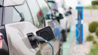 Rośnie liczba aut elektrycznych na polskich drogach