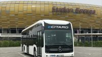 Autobus mercedes ecitaro na testach w polskich miastach