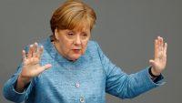 Merkel: Chcemy stworzyć milion stacji ładowania aut elektrycznych