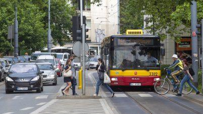 Warszawa ma więcej samochodów niż mieszkańców