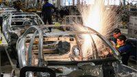 Daimler zaciska pasa. Kolejne cięcia etatów