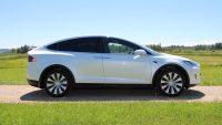 Tesla odkupiła wadliwy samochód, a właścicielowi dała dożywotniego bana