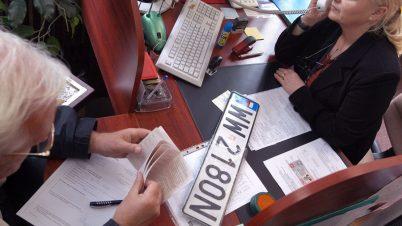 Nowy wzór tablic rejestracyjnych w Polsce. Trudniejszy do podrobienia