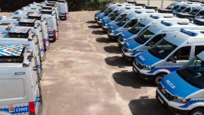 Nowe radiowozy i drony dla policjantów ruchu drogowego
