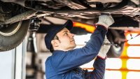 Plaga usterek aut w Polsce. Pięciu producentów wzywa do serwisów