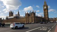 Wielka Brytania zakaże sprzedaży nowych aut z silnikami spalinowymi od 2030 roku