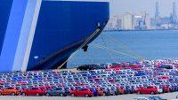Sprzedaż aut najgorsza od czterech lat. Jakie modele wybierali Polacy w 2020 roku?