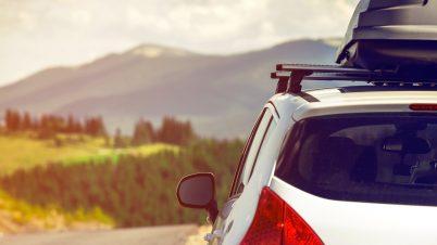 Prawie połowa Polaków chce jechać na urlop własnym autem. Sondaż Automarket.pl