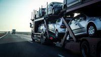 Import używanych aut spada, choć miał rosnąć. Te modele królują w komisach