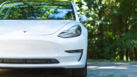 Tesla po raz pierwszy najpopularniejszym autem w Europie. Wygrywa na kryzysie