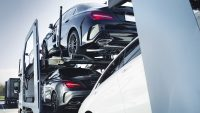 Samochody mogą podrożeć o 20 proc. w ciągu roku. Winny brak gotowych aut